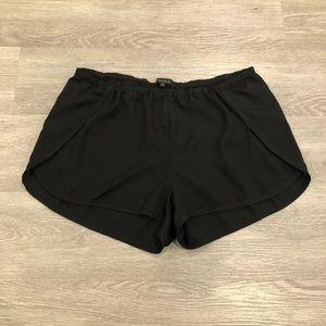 Talula Aritzia Flowy Casual Shorts Size M